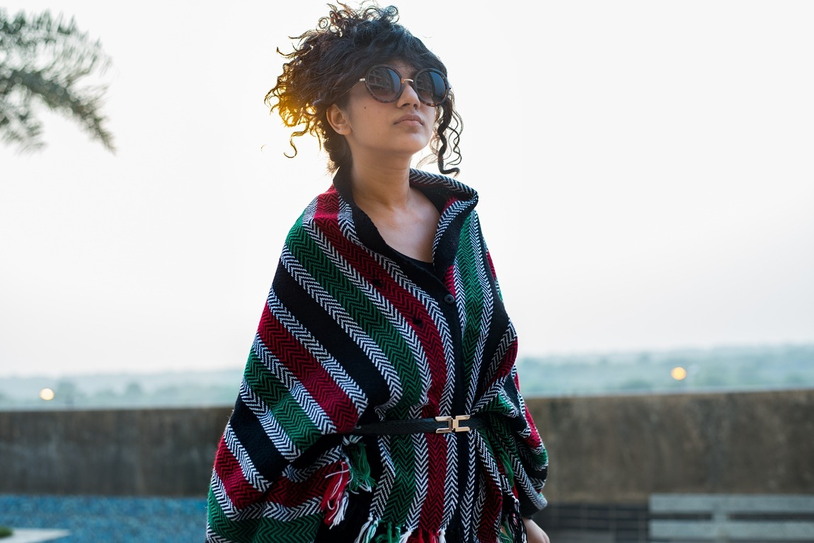 poncho-with-belt-reuse-old-clothes-winter-look-resized-5