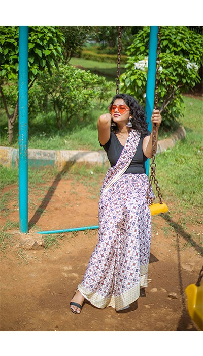 saree on swing in park