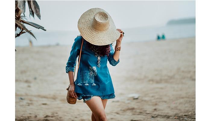 craftsvilla kurti as dress big hat beach
