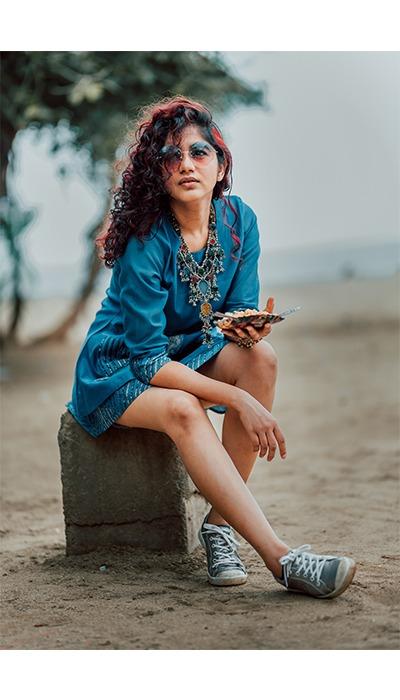 streetstyle ethnic indian bohemian on beach bhel puri